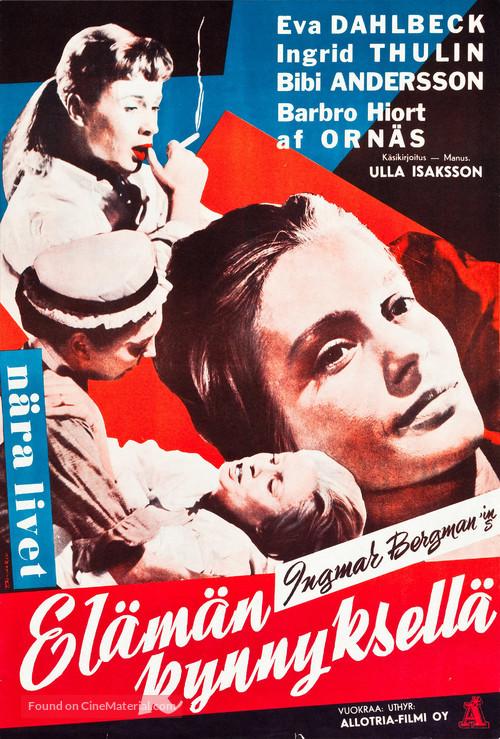 Nära livet - Finnish Movie Poster