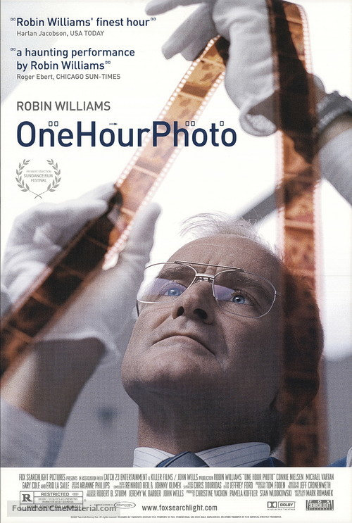 One Hour Photo - Movie Poster